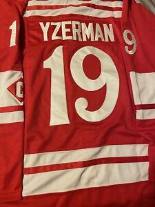 Steve Yzerman  Detroit Red Wings Winter Classic Jersey Size L