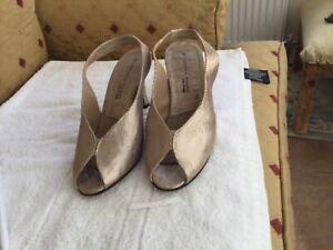 sabrina chic shoes size 5 sling back