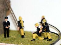 5 1970 Fire Fighters F134ap3 PAINTED OO Scale Langley Models People Figures