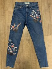 Topshop Jamie Floral Embroidered Birds Raw Hem Blue Jeans Fray Ankle Grazers W26