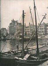 AMSTERDAM c. 1940 - Le Port animé Bateaux Commerces Hollande - NV 2323