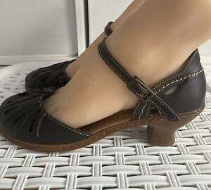 """Rieker Anti Stress Ladies Brown Leather Closed Toe Ankle Strap 2"""" Heels Size 6.5"""