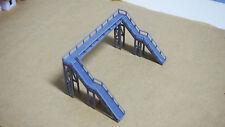 Outland Models Modelleisenbahn Miniatur über Kopf Fußgängerbrücke Spur Z / N
