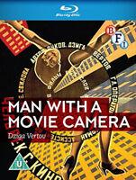 Man Con Un Film Fotocamera Blu-Ray Nuovo (BFIB1213)