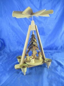 DDR Tisch_Pyramide Echt Erzgebirge Holz Engel Chor gedrechselt 29 cm Tannenbaum