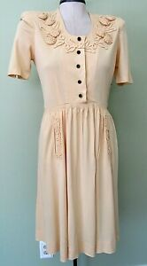 """VINTAGE 1940'S YELLOW NYLON SUMMER FROCK /  36"""" BUST / FRONT POCKETS"""