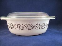 Vintage Pyrex Gold Empire Scroll Vines Opal White 1.5 Quart Oval Casserole 1965