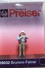HO 1:87 Preiser Standing Trucker FIGURE # 28032 NEW in BOX