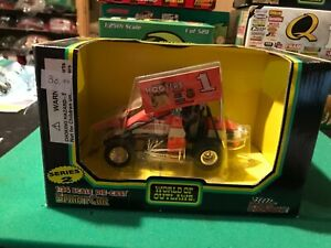 SAMMY SWINDELL #1 HOOTERS SERIES 2  RACING CHAMPIONS 1/24th  SCALE SPRINT CAR