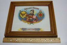 Tapferer Ritter Cigar Label im schönen Holzrahmen circa 1910 tolle Form!!!