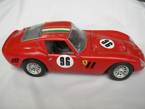 Burago Ferrari GTO 1962, automodello scala 1:18 leggere