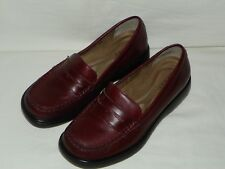 Womens Array Leather PenneyLoafer Shoes, Size 7 1/2 W. NICE