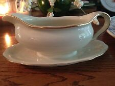 ESCHENBACH BAVARIA GRAVY BOAT W/ ATTACHED TRAY CREAM CHINA GOLD SCALLOPED EDGES