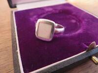 Hübscher 925 Silber Ring Weiß Perlmutt? Designer Retro Modern Viereckig Top