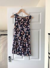 LADIES 'MISS SELFRIDGE' NAVY FLORAL DRESS. SIZE 10 PETITE. VERY GOOD CONDITION.