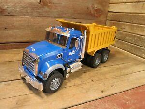 Bruder Toys America 02815 Mack Granite Dump Truck!