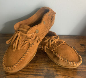 Minnetonka Ankle High Fringed Moccasins Brown Rubber Soled Size 7