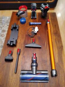 Dyson V8 Absolute Cordless Vacuum Cleaner (item236)