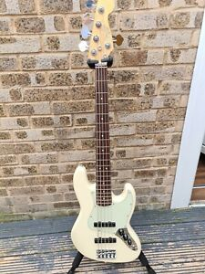 Fender American Pro Jazz V Bass Olympic White Rosewood Board Fender Deluxe Case