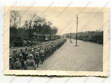 Foto, Polizei in Reih und Glied auf dem Bahnhof in Altengrabow (N)19670