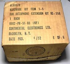 RC298 :Kit de visseries US pour installation sur tank équipé radio SCR508