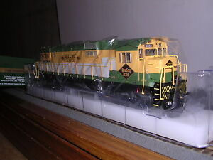 """BOWSER #23693  Reading C-630 Diesel Loco #5300 """"Green & Yellow"""" w/DCC & Sound"""