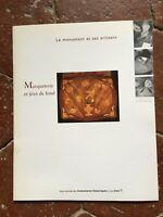 Intarsio E Giochi Di Sfondo Il Monumento E Ses Artigiani 1995
