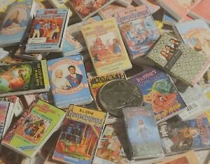 Dollhouse Miniature books /  1:12 dollhouse books / 90 random mini books