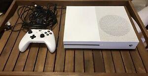 Microsoft Xbox One S 1TB con controller