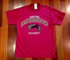 Vintage UNIVERSITY OF DENVER Pioneers HOCKEY T-Shirt - NCAA - Medium