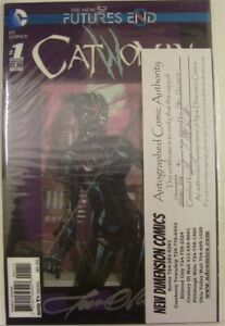 CATWOMAN FUTURES END 1 VILLAINS LENTICULAR 1 DC COMIC SIGNED PAT OLLIFFE 2014 NM