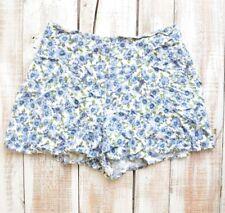 Kimchi blue Shorts women size 4 blue floral back zipper mini viscose white short
