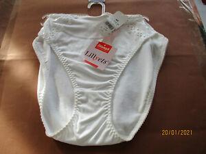 Triumph Damen Slip-String-Hipster-Tai Lillyets 54 Größe 44 Farbe weiß