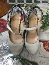 Authentic Christian Louboutin wood Pumps 39