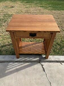 Mission Solid Wood Quartered  Oak Arts and Crafts  Pegged End Side Table