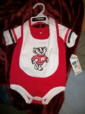 Wisconsin Badgers Colosseum Bodysuit T-shirt Tee With Baby Bib Ncaa Infant 0-3