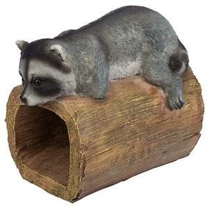 Design Toscano Raider the Raccoon Gutter Guardian Downspout Statue