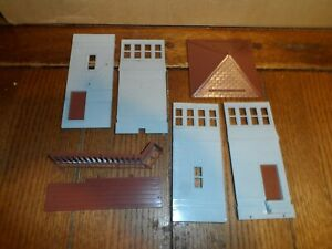 PLASTICVILLE  O-S  SCALE SWITCH TOWER KIT