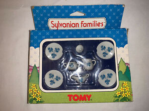 Sylvanian Families ~ TOMY Original Dinner Service In Original Box