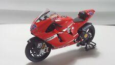 Casey Stoner. Ducati Desmo16 GP7. Desmosedici MotoGP 2007. Minichamps 1/12