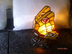 COLLECTABLE : TIFFANY STYLE : BUTTERFLY LAMP : WORKING ORDER > ONLY  £14,99