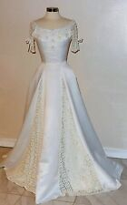 Vtg Custom Made Ivory Lace Detailling Off The Shoulder Wedding Gown  Size S