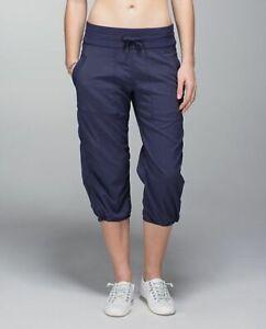 LULULEMON Size 6 Women's Nylon Spandex Capri Drawstring Studio Pants Navy Stripe