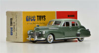 Boy's gift  Green GFCC TOYS 1:43 1941 Cadillac Fleetwood  Alloy car model