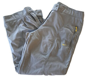 Nike Women's Gray Gym Cropped Jogger Pants Medium 8-10 Zippered Pockets