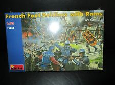 French Foot Soldiers w/ Rams 1:72 Scale Mini Art Model Kit 72003