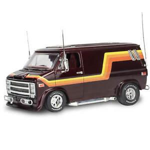 Revell Monogram 1/25 76 Chevy Custom Van