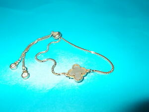 Gold Chain With Quatrefoil  Charm Bolo Bracelet - MINT