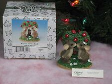 """Charming Tails Mouse Couple Kissing Park Love Special Ed 98/258 3"""" Original Box"""