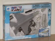 New Ray F-16 Fighting Falcon Fighter Jet Plane Plastic Airplane Model Kit New